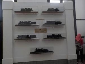Beberapa miniatur Lokomotif di Museumnya