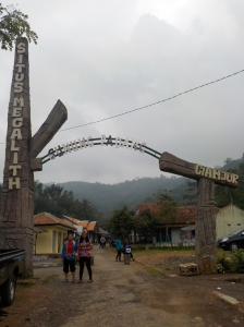 Pintu gerbang kawasan Gunung Padang