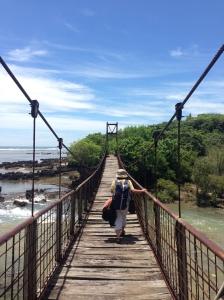 Jembatan dari pantai Sayang Heulang menuju Pulau Santolo