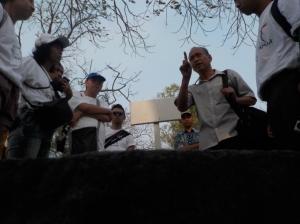 +Pak Can,(panggilan akrab kami untuk pak Candrian) sedang bercerita tentang makam Maria.
