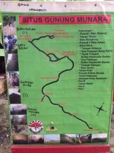 Ini peta pendakiannya, buat yang belum pernah hiking jangan takut karena jalurnya jelas kok.