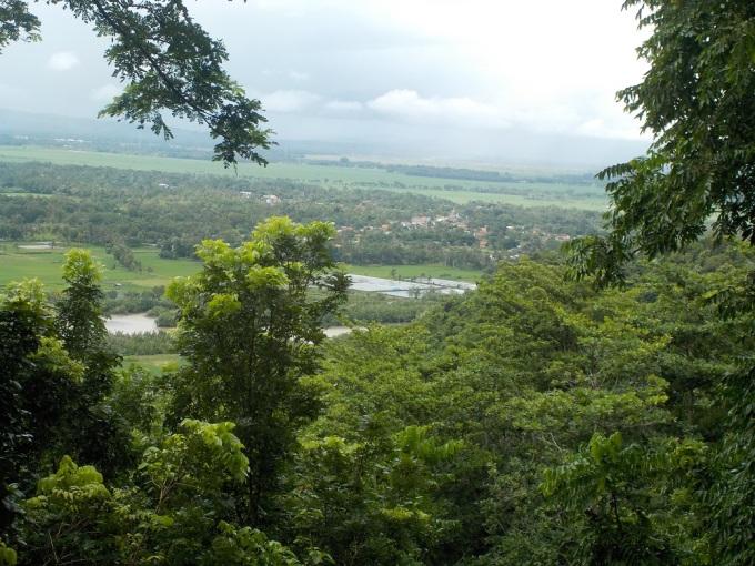 Pemandangan dari atas Gunung Selok