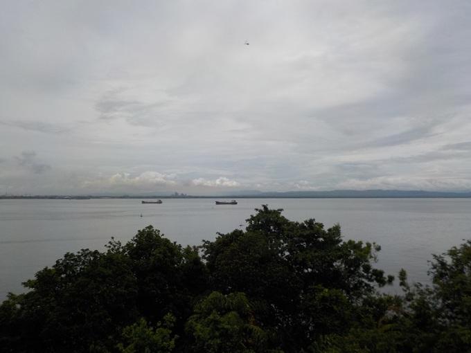 Dari Benteng Karang Bolong
